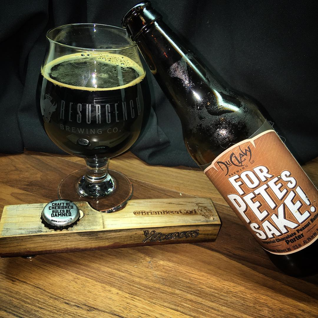 @duclawbrewingco For Pete's Sake Imperial Chocolate Peanut Butter Porter - Mouthfeel is really good. Definitely getting peanuts and chocolate. The scent is reminiscent of pretzels though.